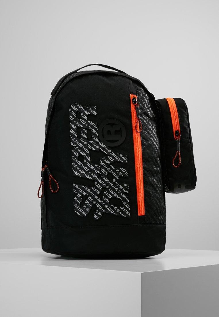 Superdry - ZAC FRESHMAN BACKPACK - Etui - black