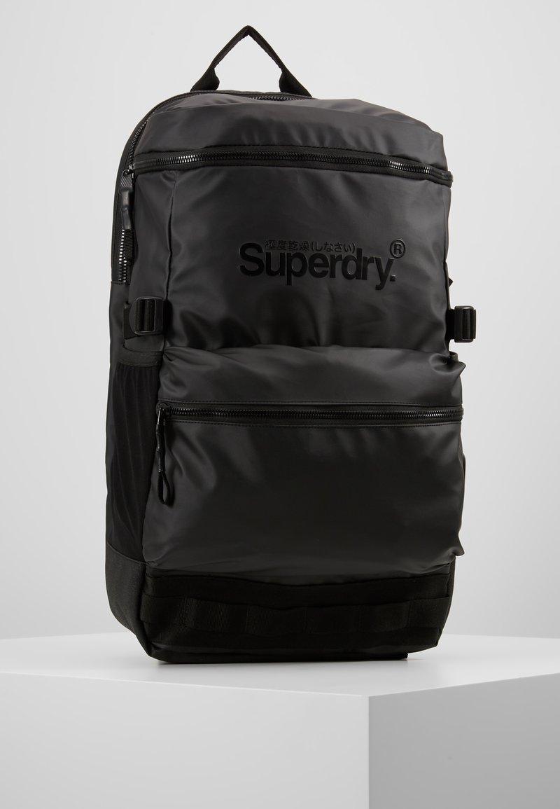 Superdry - COMMUTER TARP  - Tagesrucksack - black