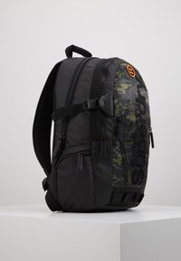 Superdry - CAMO TARP BACKPACK - Reppu - green - 4