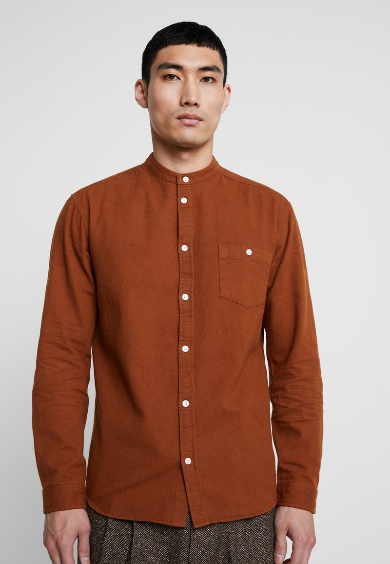 Suit - RYAN MANDARIN - Shirt - golden brown