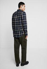 Suit - Pantaloni cargo - forrest green - 2