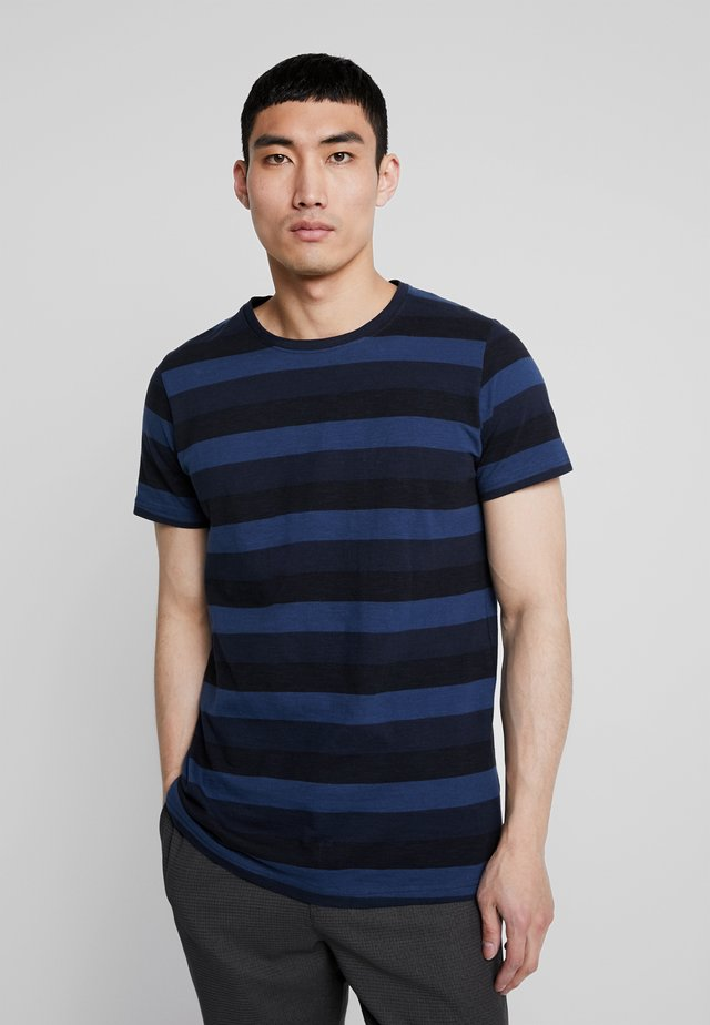 HARRY - T-shirt med print - navy