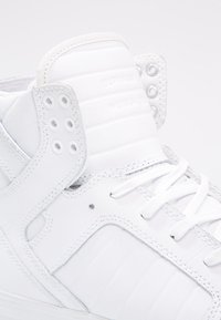 Supra - SKYTOP CLASSIC - Sneakers high - white/red - 5