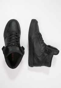 Supra - VAIDER CLASSIC - Sneakersy wysokie - black/red - 1