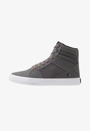 ALUMINUM - Korkeavartiset tennarit - grey/black/white
