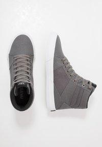 Supra - ALUMINUM - Sneakers high - grey/black/white - 1