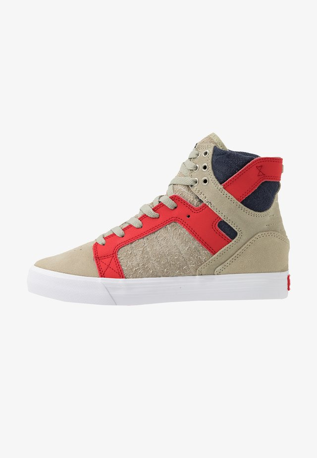 SKYTOP - Baskets montantes - stone/risk red/white
