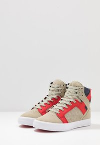 Supra - SKYTOP - Sneakers hoog - stone/risk red/white - 2