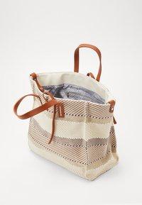 SURI FREY - LABEL GRACY - Shopping bag - sand - 4
