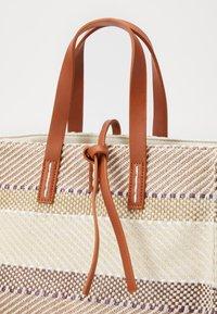 SURI FREY - LABEL GRACY - Shopping bag - sand - 2