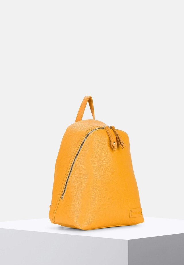 PENNY - Tagesrucksack - yellow