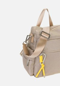 SURI FREY - MARRY - Mochila - sand - 5
