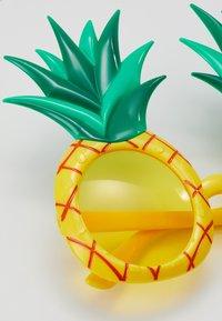 Sunnylife - KIDS SUNNIES - Solglasögon - yellow - 2