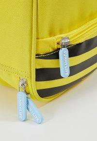 Sunnylife - KIDS LUNCH BAG - Fiambrera - yellow - 2