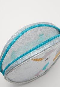 Sunnylife - BUM BAG - Bum bag - silver - 4