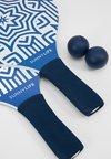 Sunnylife - BEACH BATS  - Varios accesorios - azule
