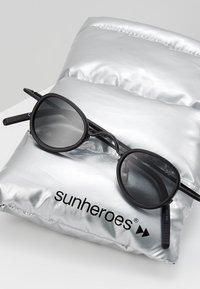 Sunheroes - Solbriller - matt black /smoke - 2