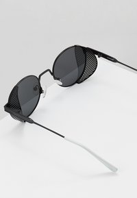 Sunheroes - Solbriller - matt black/smoke - 5