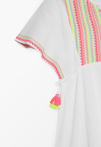 Sunuva - YOUTH GIRLS SMOCKED CHEESECLOTH DRESS - Day dress - white - 4
