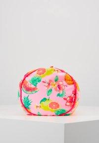 Sunuva - GIRLS ALOHA FRUIT BEACH PILLOW - Doplňky na pláž - pink - 4