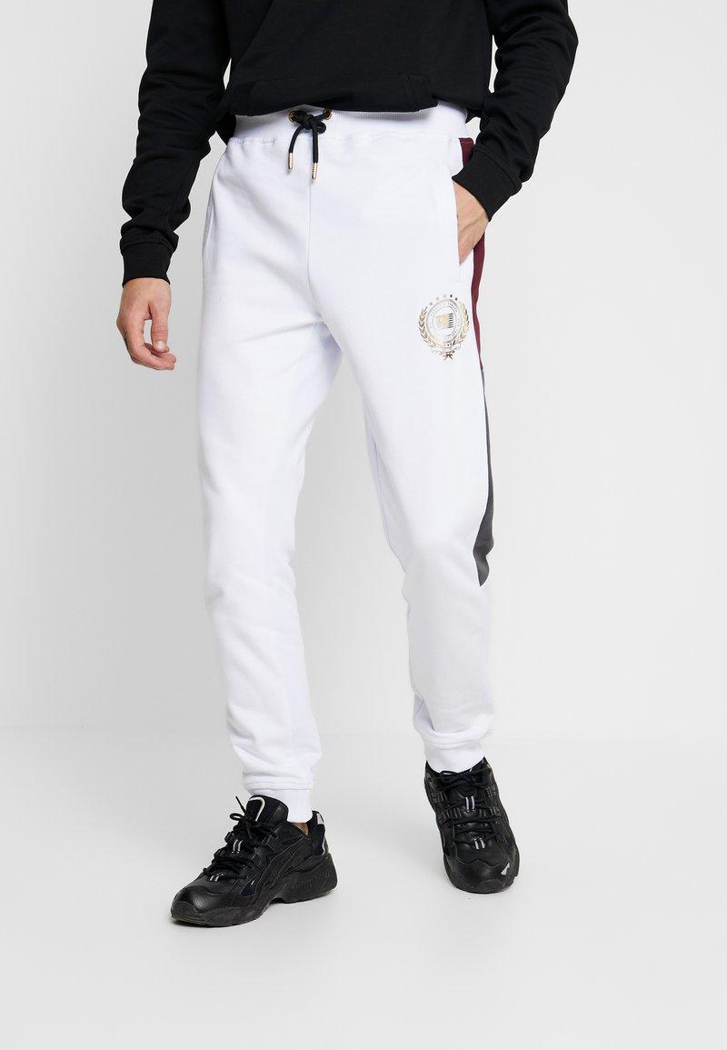 Supply & Demand - HERITAGE  - Pantalones deportivos - burgundy/white
