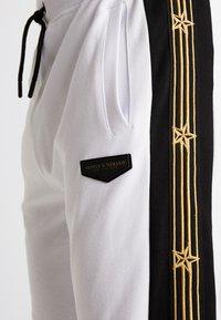 Supply & Demand - SLAB - Teplákové kalhoty - black/white - 5