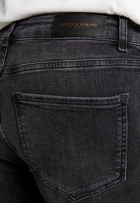 Supply & Demand - ANARCHY  - Skinny džíny - black fade - 3