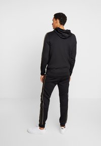 Supply & Demand - SHINE HOOD - Jersey con capucha - black - 2