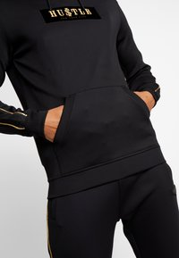 Supply & Demand - SHINE HOOD - Jersey con capucha - black - 6