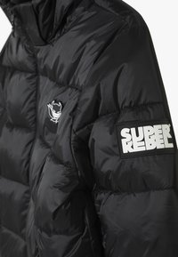 SuperRebel - BASIC SHINY BOYS SKI JACKET - Snowboard jacket - black - 2