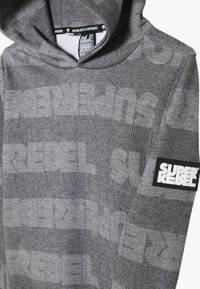 SuperRebel - BOYS HOODED TEKST ALL OVER - Mikina s kapucí - black - 2