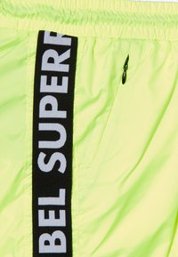 SuperRebel - BOYS SWIM PLAIN - Swimming shorts - neon yellow - 3