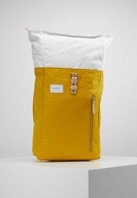 Sandqvist - DANTE - Ryggsekk - multi yellow / off white - 5