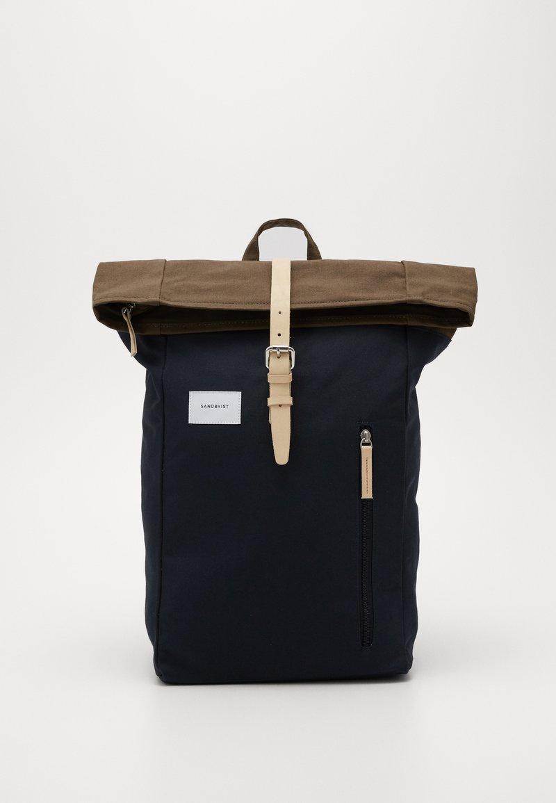 Sandqvist - DANTE - Sac à dos - navy/olive