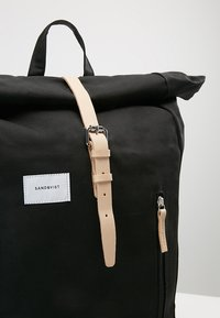 Sandqvist - DANTE - Reppu - black - 7