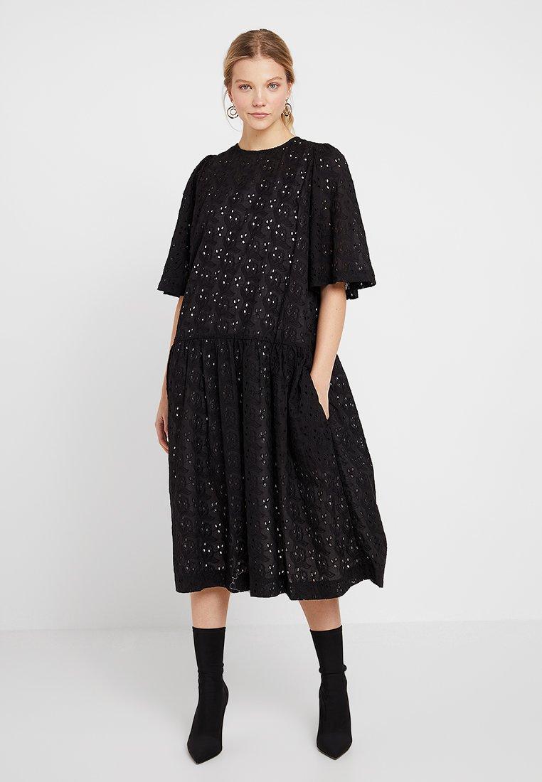 DIVA Długa sukienka black