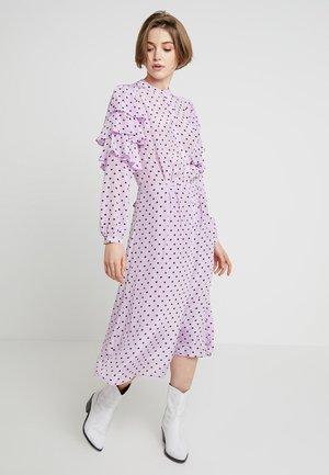 PANOLA - Košilové šaty - purple burgundy