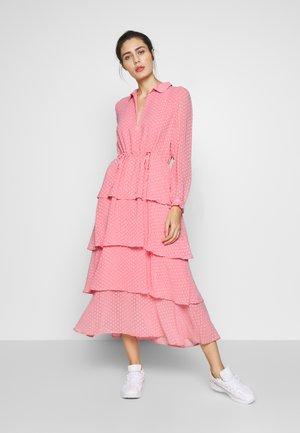 NANO - Denní šaty - conch shell pink