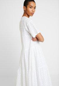 Stella Nova - MANNY - Vapaa-ajan mekko - white - 3