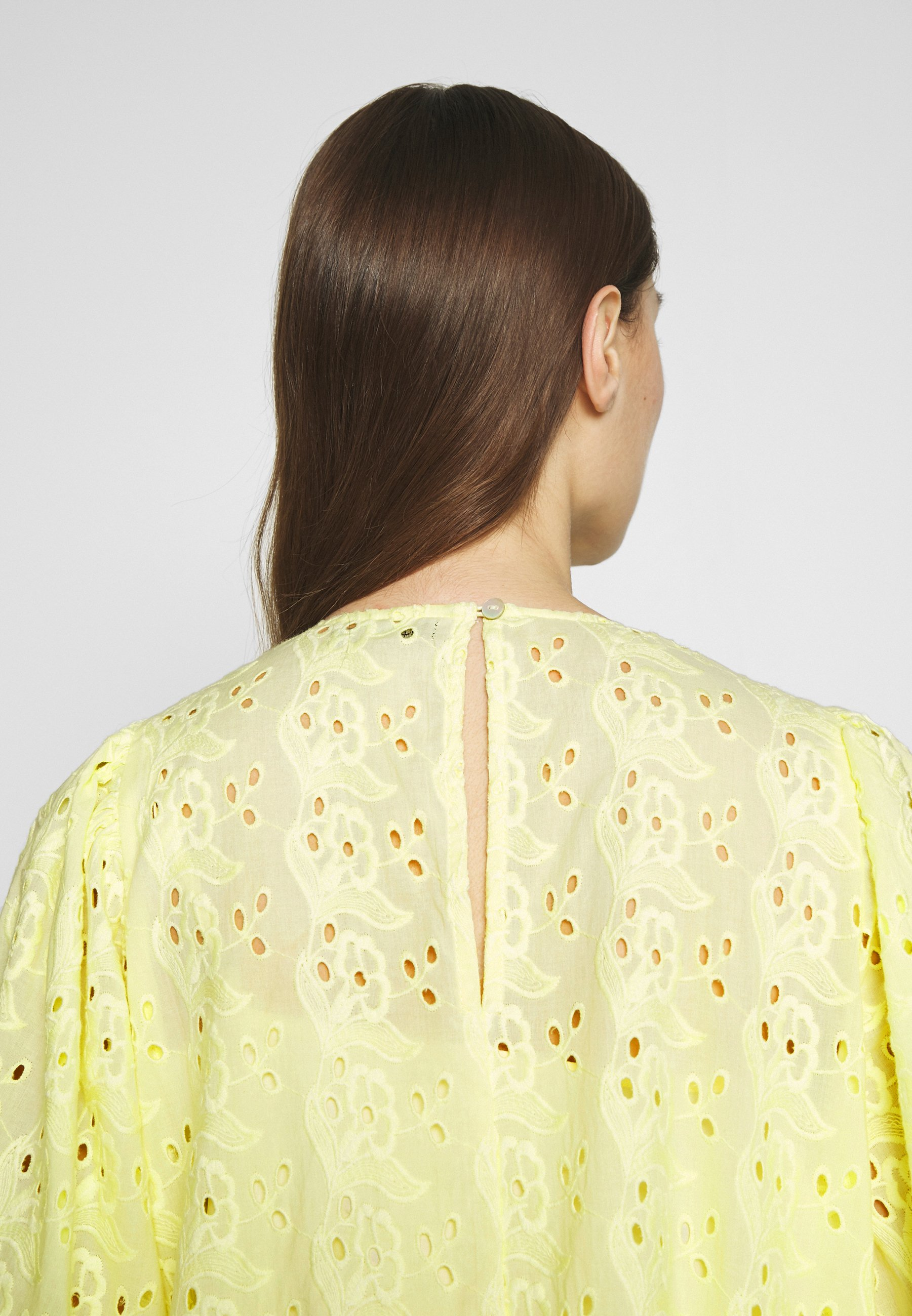 Stella Nova KALLA - Korte jurk - soft yellow