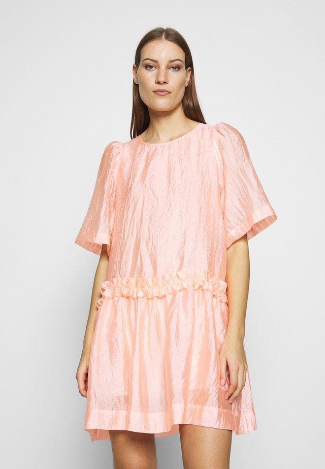 Denní šaty - candy coral