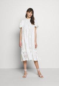 Stella Nova - PEN - Denní šaty - white - 0