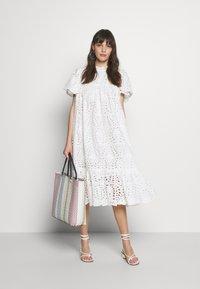 Stella Nova - PEN - Denní šaty - white - 2