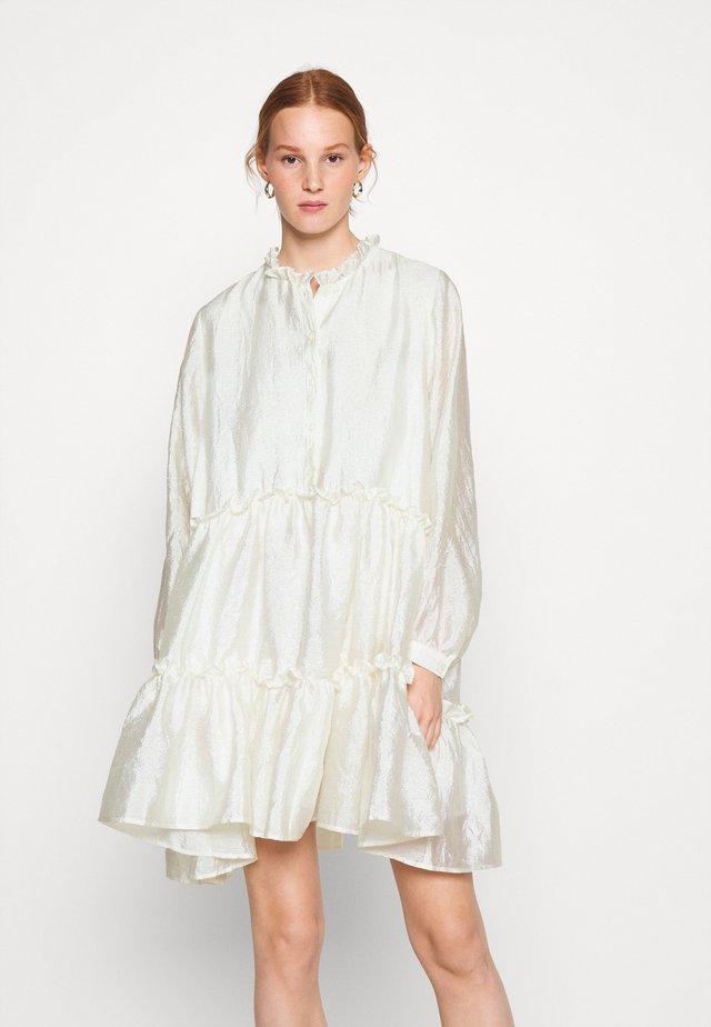 HALIA - Korte jurk - creamy white