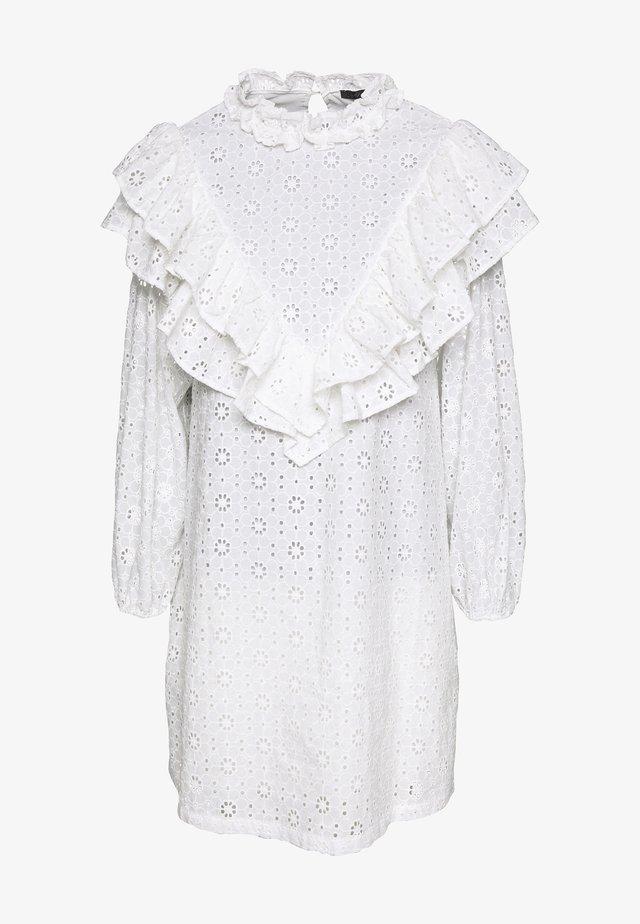 MILDA - Denní šaty - creme