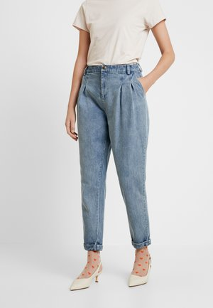 AIDE - Jeansy Relaxed Fit - light-blue denim