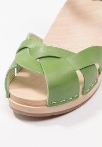 Swedish hasbeens - KRINGLAN - Clogs - grass green - 2