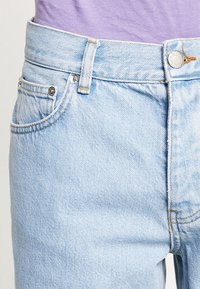 Sweet SKTBS - SWEET - Jeans Relaxed Fit - faded blue - 3