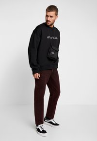 Sweet SKTBS - LOOSE - Jeans relaxed fit - stone red - 1