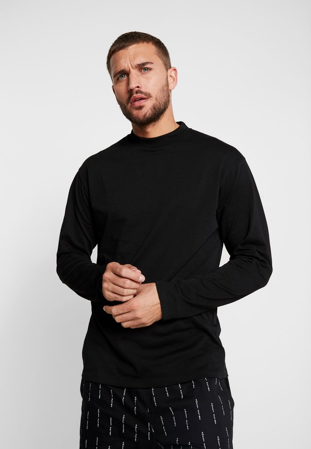 LONGSLEEVE  SWEET 90S LOOSE - Langærmede T-shirts - globe/black